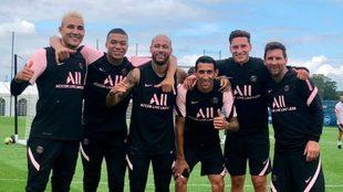 Navas, Messi, Neymar, Di María, Mbappé y Draxler, en un...