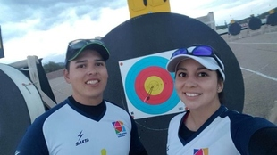 Sara López y Daniel Muñoz, campeones de tiro con arco.