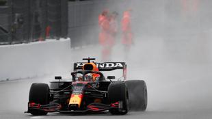 Verstappen, durante la clasificación en Sochi.