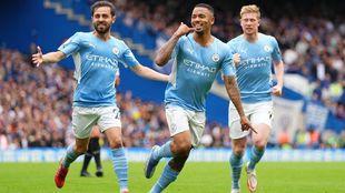 Gabriel Jesús celebrando el gol de Manchester City ante Chelsea