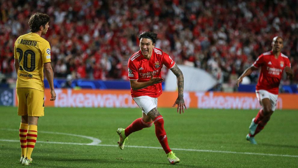 El Benfica golea al Barcelona y deja a Koeman al borde del precipicio