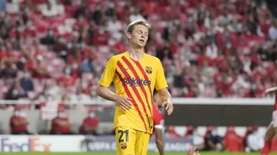 De Jong en el partido ante Benfica.