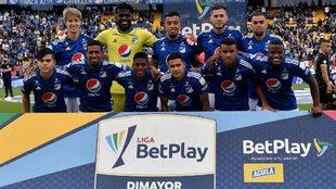 Equipo de Millonarios contra Águilas Doradas en El Campín