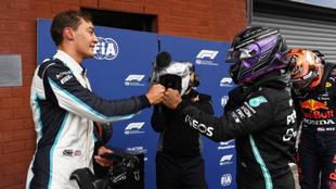 Rusell y Hamilton se saludan en el Gran Premio de Spa