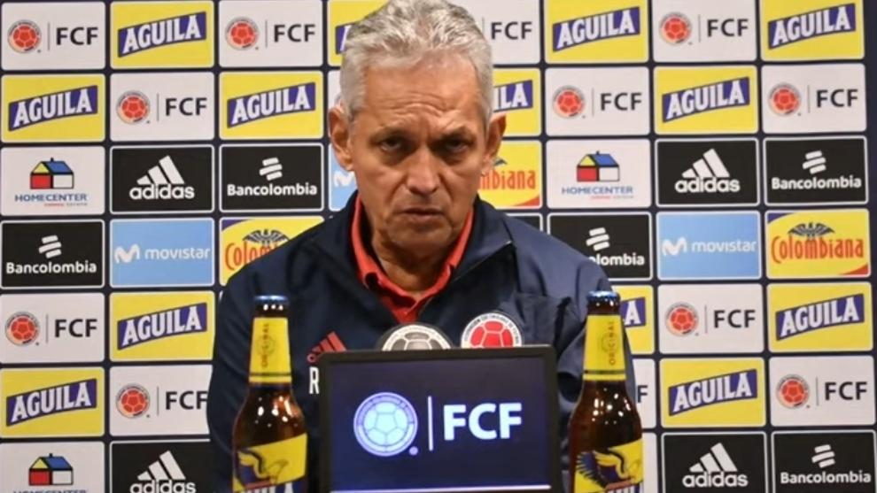 Reinaldo Rueda en conferencia de prensa previo al Uruguay vs Colombia.