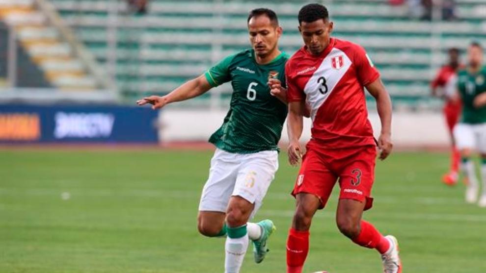 Perú cae contra Bolivia.