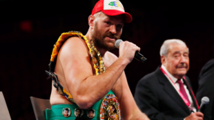 Fury se dirige al público tras su victoria