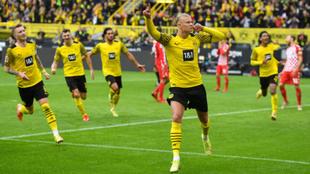 Haaland celebrando uno de sus goles