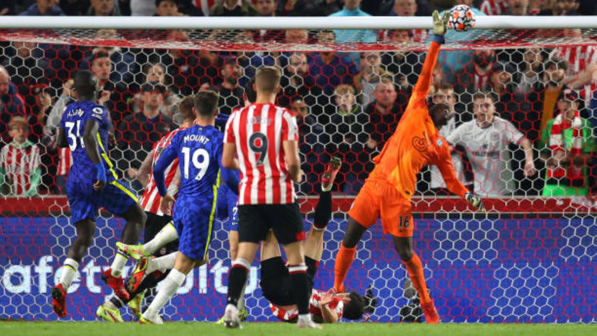 Mendy salva al Chelsea ante un gran Brentford