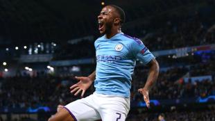 Sterling celebrando un gol en la Champions League