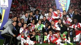 Independiente Santa Fe celebrando su cuarta Superliga.