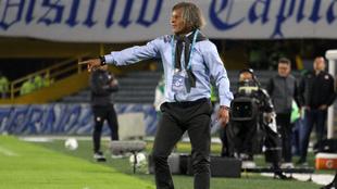 Alberto Gamero se compara con Juan Carlos Osorio para defenderlo.